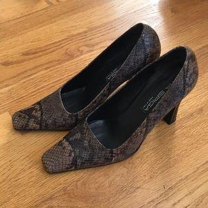 via spiga snakeskin closed toe block heels